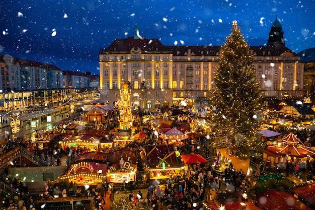 Weihnachtsmarkt in deutschland Premium Fotos