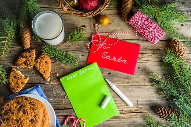 Weihnachtsmilch und kekse für den weihnachtsmann Premium Fotos