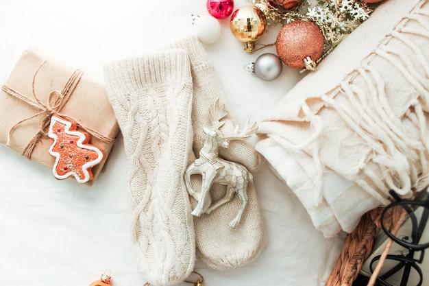 Weihnachtsschmuck und geschenk Premium Fotos