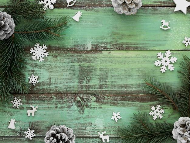 Weihnachtstannenzweig mit kopierraum Kostenlose Fotos