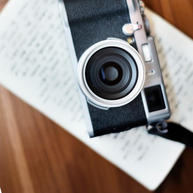 Weinlese-kamera-werkzeug-hobby-fotografie-konzept Kostenlose Fotos