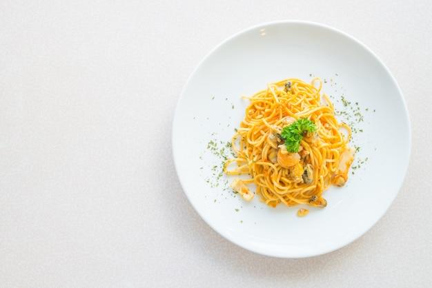 Weiß spaghetti nahaufnahme warmen speisen Kostenlose Fotos