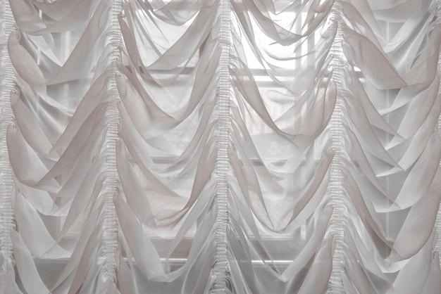 Weiße vorhänge als innenraum der luxushalle Premium Fotos