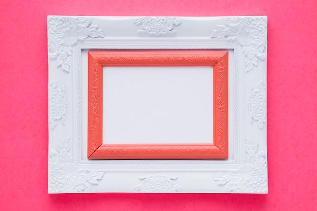 Weißer doppelter rahmen mit rosa hintergrund Kostenlose Fotos