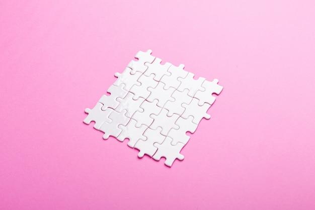 Weißes puzzle. ansicht von oben Premium Fotos