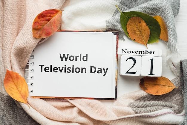 Weltfernsehtag des herbstmonats kalender november. Premium Fotos