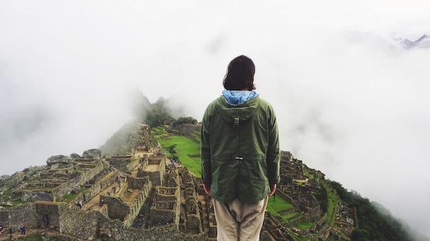 Weltwunder machu picchu und anden-berge Premium Fotos