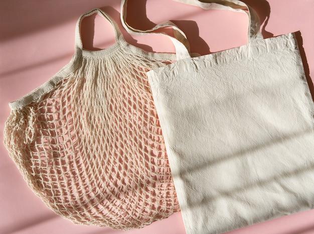 Wiederverwendbare einkaufstaschen. weißes öko-taschenmodell Premium Fotos