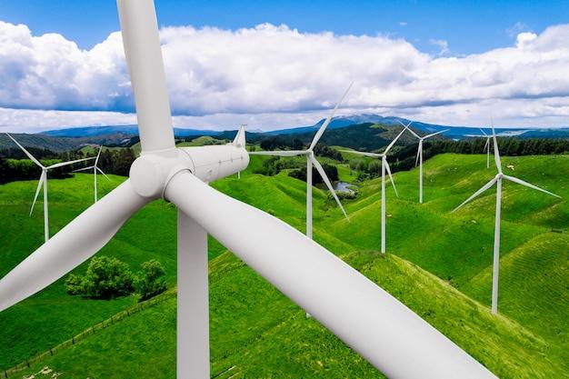 Windkraftanlagebauernhof in der schönen naturlandschaft. Premium Fotos