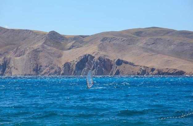 Windsurfen, baska meer in kroatien Premium Fotos
