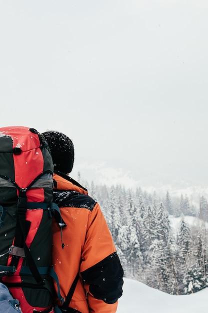 Winter berglandschaft touristische rückansicht Premium Fotos