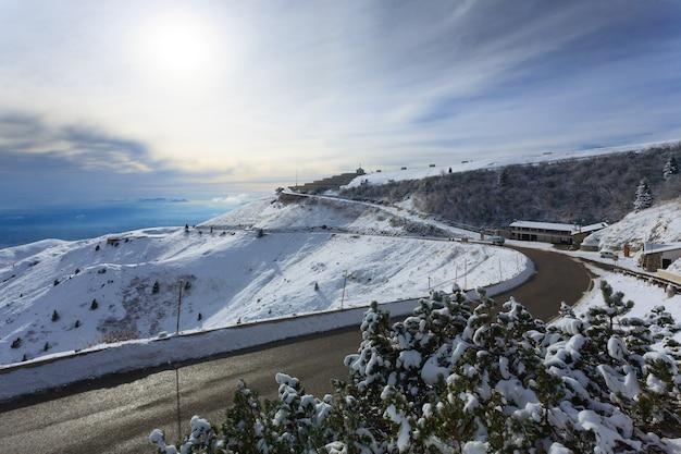 Winterpanorama aus den gedenkgebäuden der italienischen alpen im ersten weltkrieg Premium Fotos