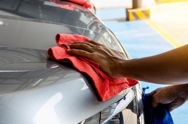 Wischen sie das auto sauber Premium Fotos