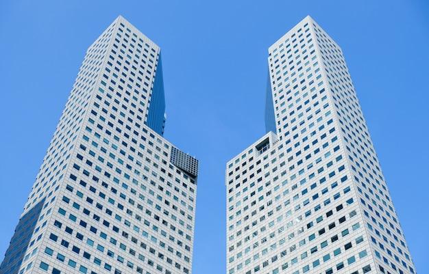 Wolkenkratzer-glasfassaden. moderne gebäude. Premium Fotos