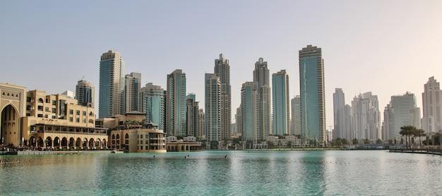 Wolkenkratzer im finanzteil von dubai Premium Fotos