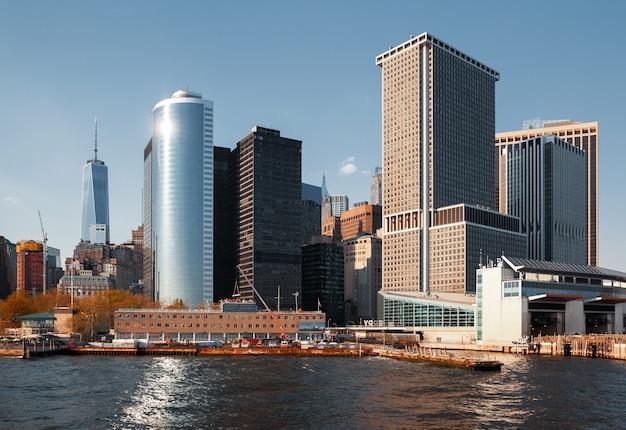 Wolkenkratzer und gebäude in manhattan. architektur in manhattan und new york city Premium Fotos