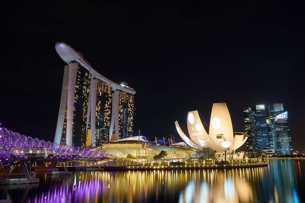 Wolkenkratzer wunderbare stadt singapur langzeitbelichtung Kostenlose Fotos