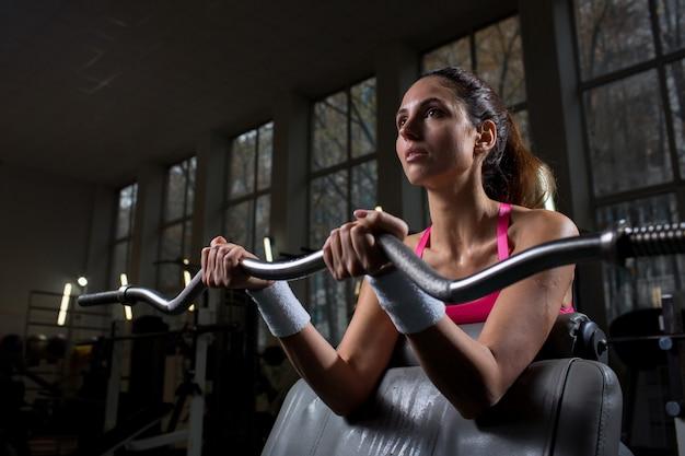 Workout mit gewicht Kostenlose Fotos