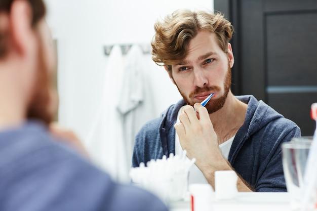 Zähne putzen Kostenlose Fotos