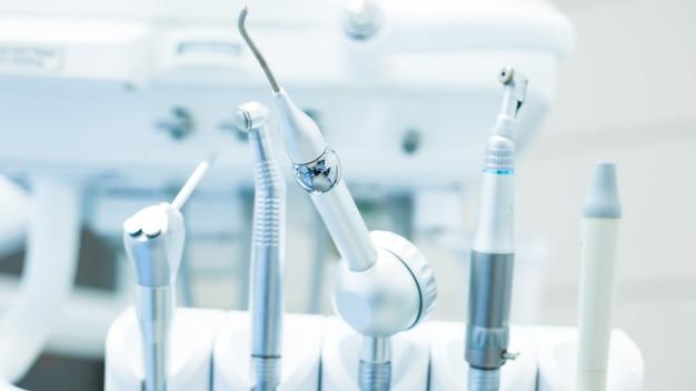 Zahnmedizinische instrumente. Premium Fotos