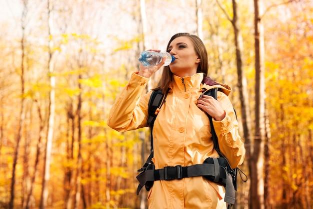 Zeit zu brechen und wasser zu trinken Kostenlose Fotos