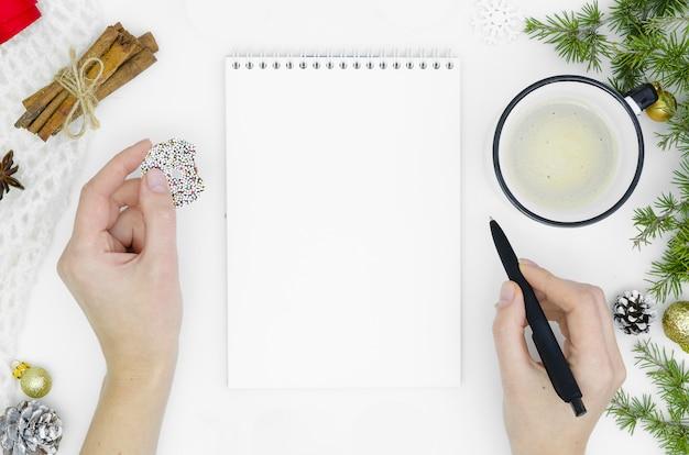 Ziele planen träume machen liste für weihnachtskonzept des neuen jahres. Premium Fotos