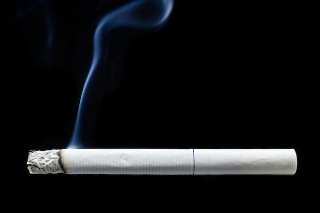 Zigarettenrauch zigarettenstummel Premium Fotos