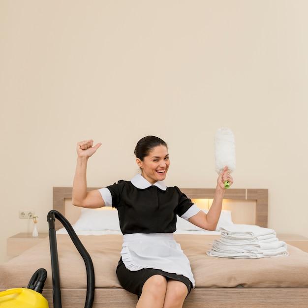 Zimmermädchen im hotelzimmer Kostenlose Fotos