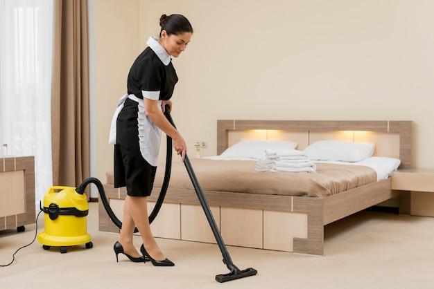 Zimmermädchen reinigung hotelzimmer Kostenlose Fotos