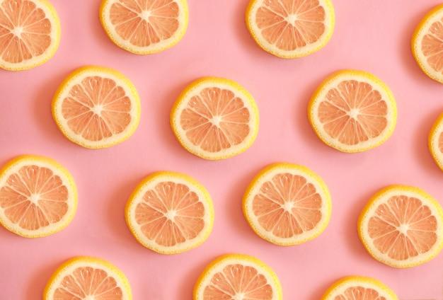 Zitronenscheiben muster trendy. Premium Fotos