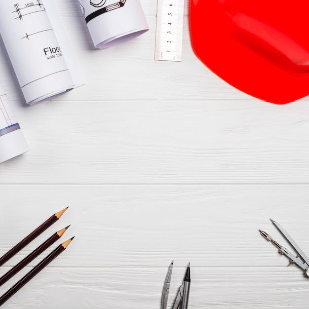 Zubehör für den architekten auf dem tisch Kostenlose Fotos