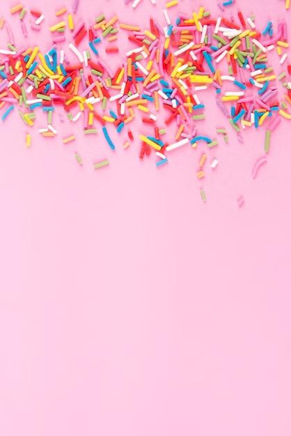Zucker streuen punkte herzen, dekoration für kuchen und bäckerei, als oberfläche Premium Fotos