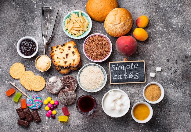 Zusammenstellung der einfachen kohlenhydratnahrung Premium Fotos