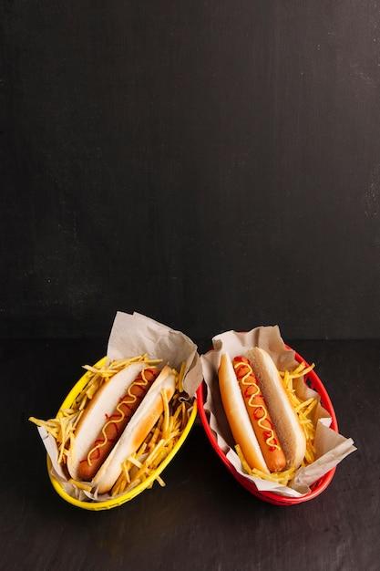 Zwei hot dogs Kostenlose Fotos