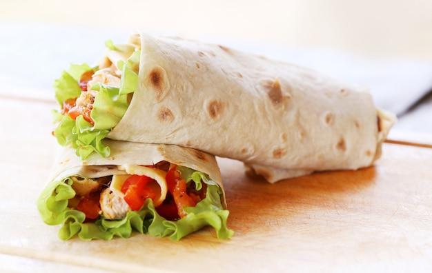 Zwei tortillas Kostenlose Fotos