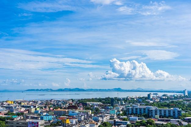 Паттайя таиланд - 1 июня 2019 г. красивый город паттайя, почти морской залив в таиланде Бесплатные Фотографии