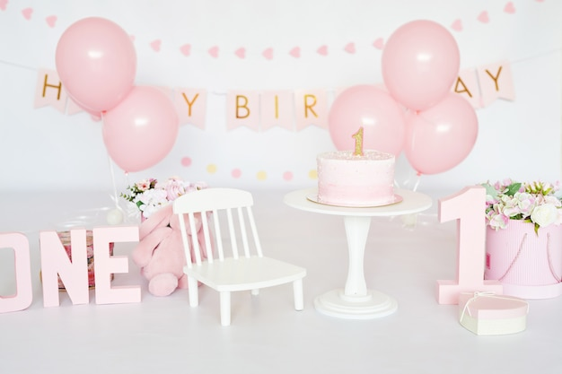 День рождения 1 год торт smash decor Premium Фотографии