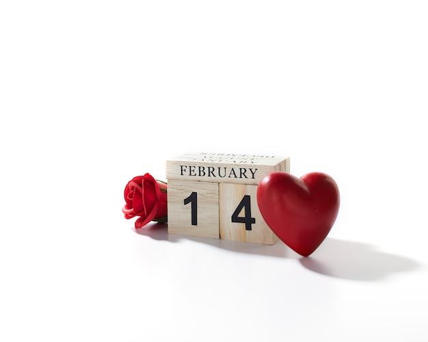 14 февраля деревянный календарь валентина фон Premium Фотографии