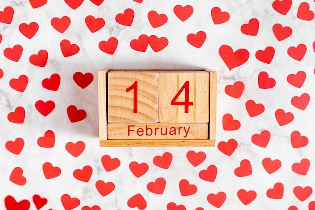 Деревянный календарь с 14 февраля Бесплатные Фотографии