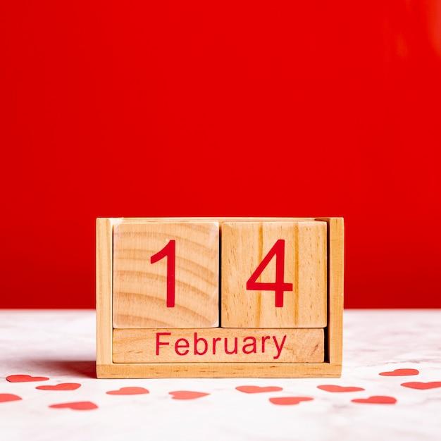 14 февраля на календаре вид спереди Бесплатные Фотографии