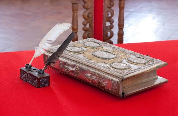 15st century vintage book Free Photo