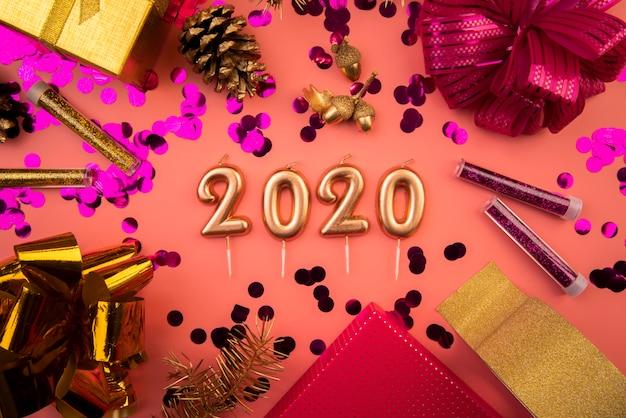 2020年の数字の平面図の配置 無料写真