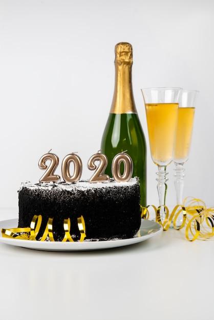 おいしいミッドナイトケーキと飲料2020年 無料写真