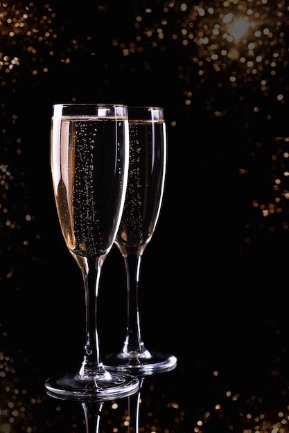 白ワインシャンパン2杯 Premium写真