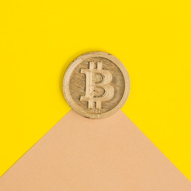 デュアル背景上の2つのビットコインのクローズアップ 無料写真