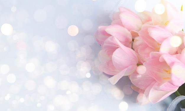 母の日、3月8日、誕生日の休日の背景 Premium写真