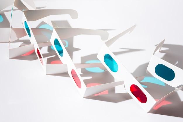 白い背景で隔離の3 dシネマメガネ 無料写真