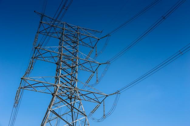 タイにおける高電圧送電鉄塔電力線500kv Premium写真