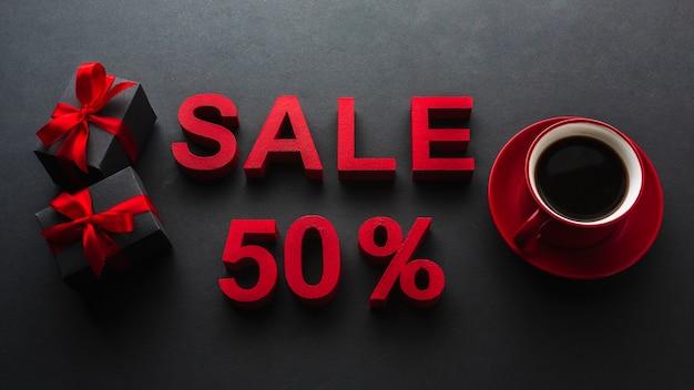 コーヒーとの販売の50%の割引 無料写真