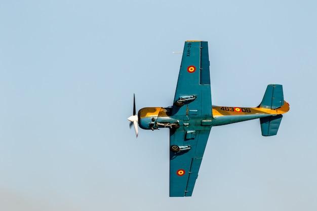航空機ヤコレフヤク-52  - サルババレスタ Premium写真